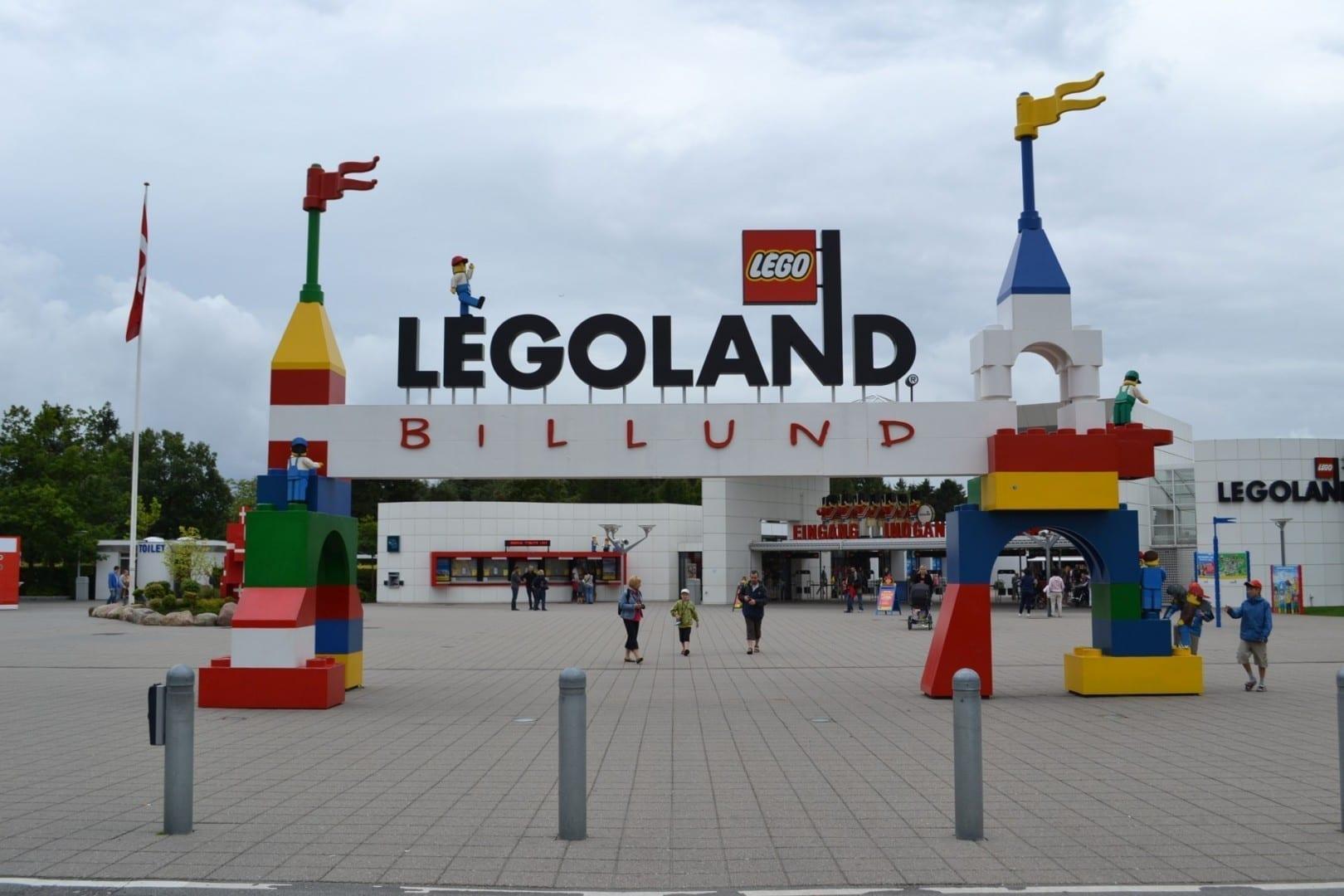 La entrada a Legoland Billund Billund Dinamarca