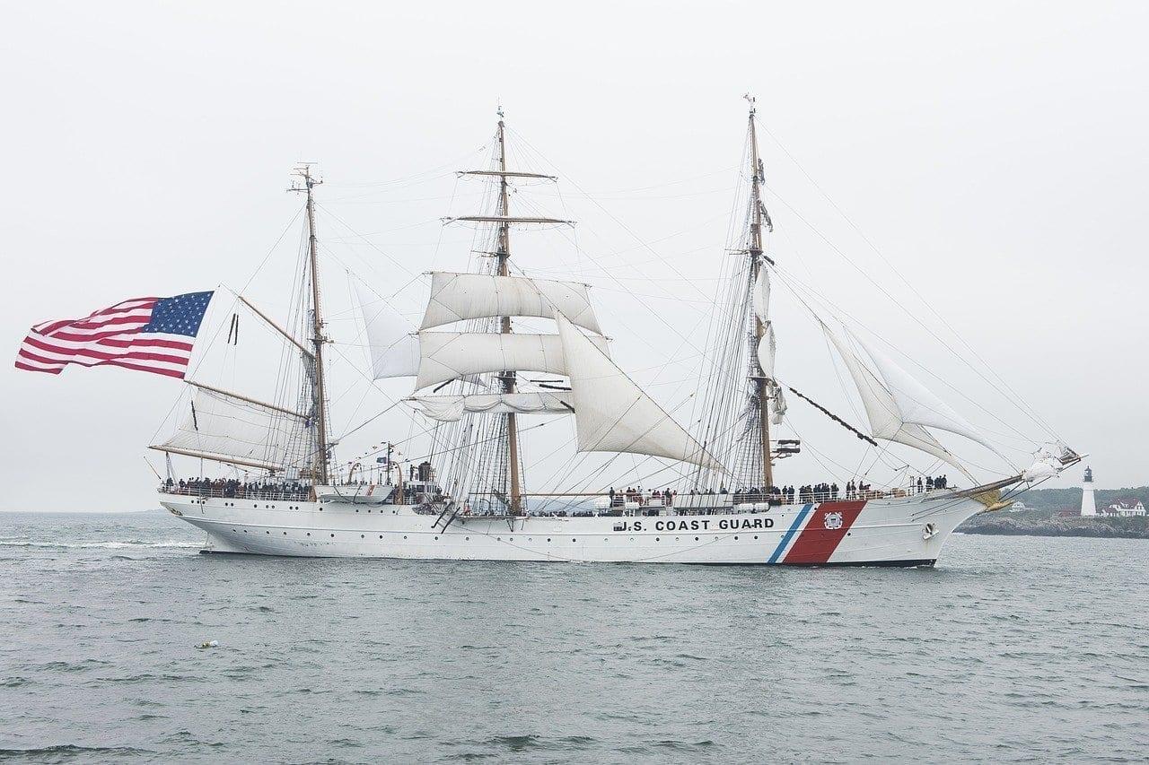 La Guardia Costera De águila Guardacostas Histórica España