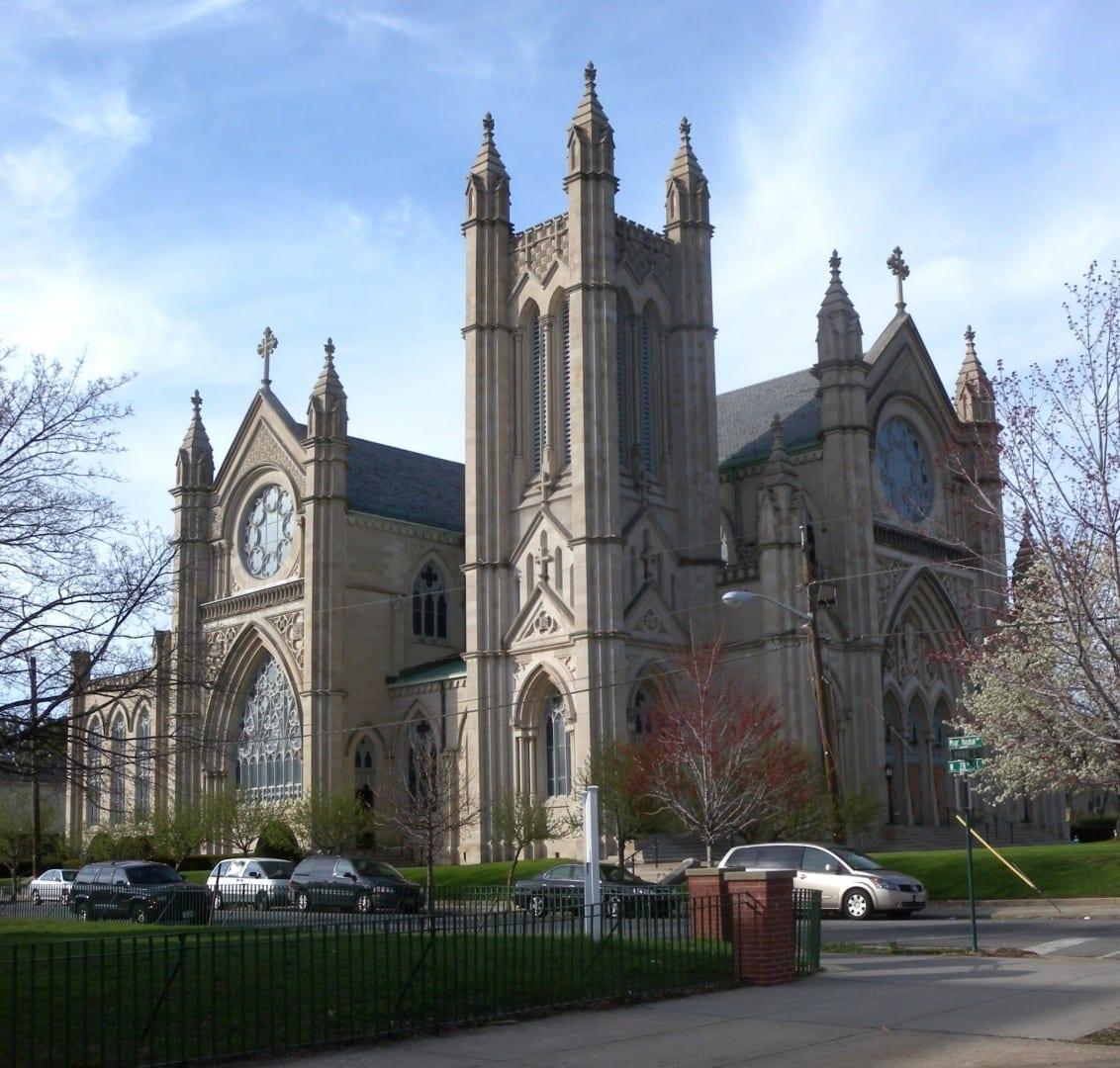 La Iglesia Católica de San Enrique Bayonne Estados Unidos