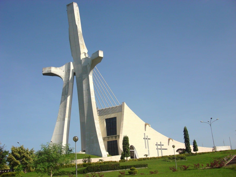 La moderna Catedral de San Pablo de Abidjan Abidjan Costa de Marfil