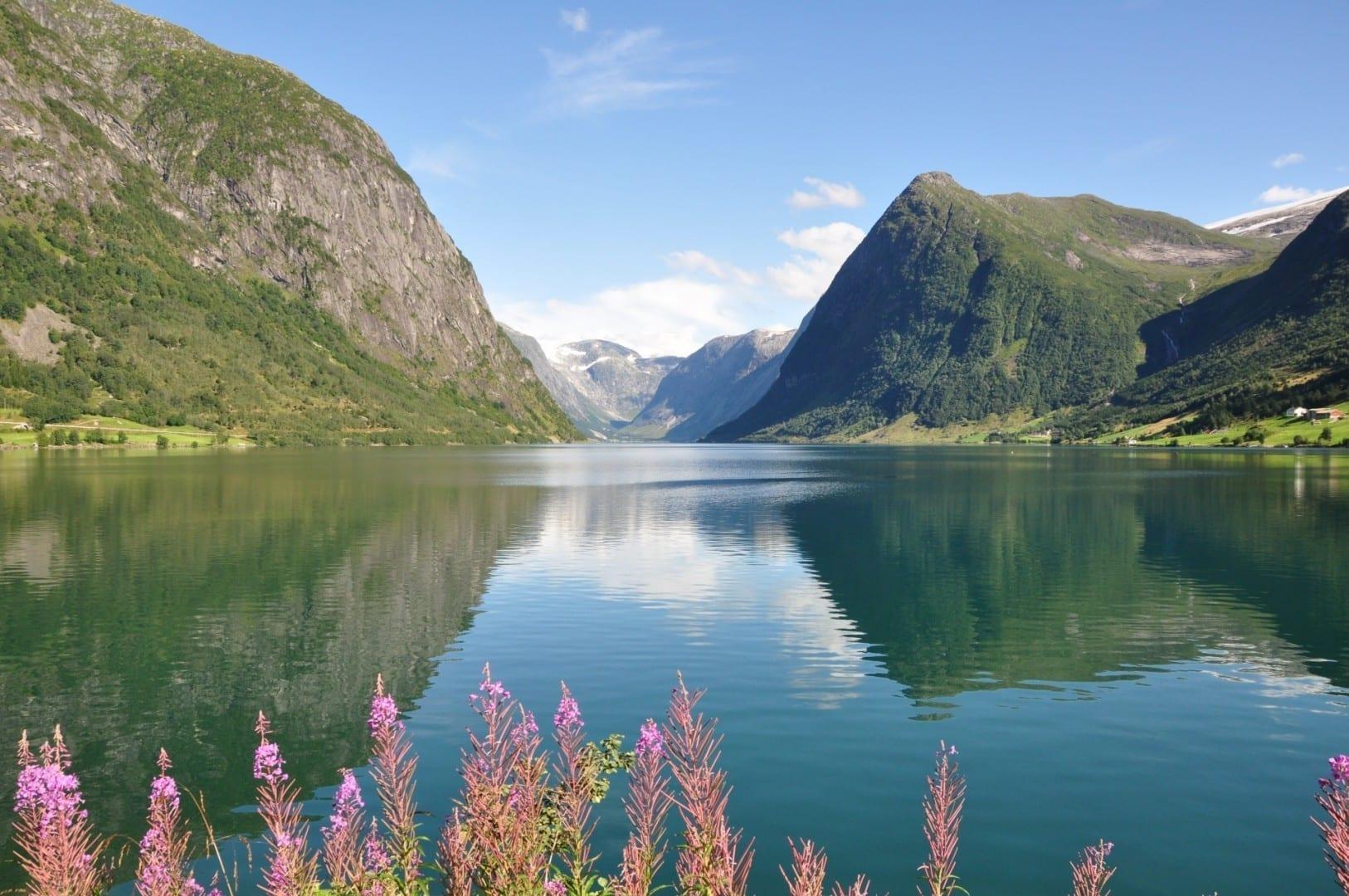 La sucursal de Kjøsnesfjorden Skei Noruega