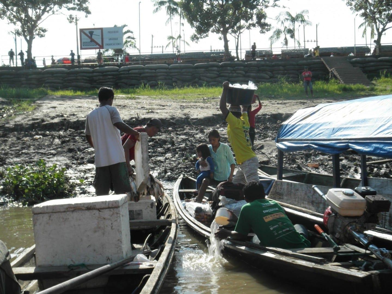 La vida en el río Amazonas Leticia Colombia