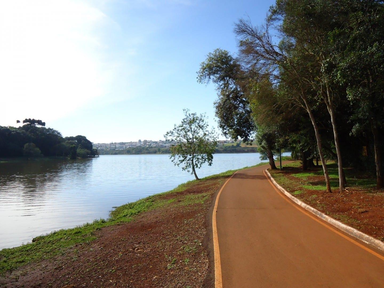 Lago Municipal, en el Parque Ecológico Paulo Gorski Cascavel Brasil