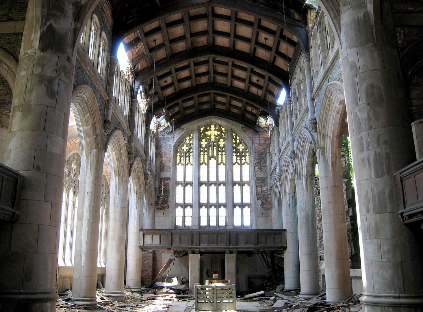 Las ruinas modernas de la Iglesia Metodista de la Ciudad Gary IN Estados Unidos