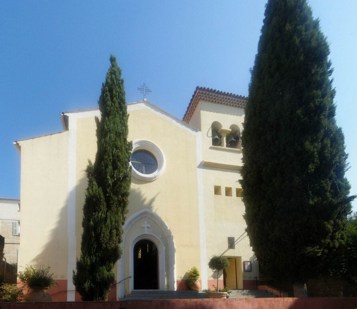 Le Lavandou - Iglesia de Saint-Louis Le Lavandou Francia