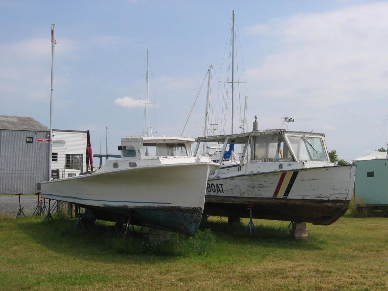 Los barcos que se repararán en la fábrica de botes de Ruark Cambridge MD Estados Unidos