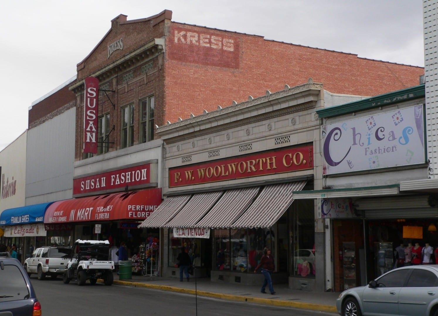 Los históricos escaparates de la Avenida Morley Nogales AZ Estados Unidos