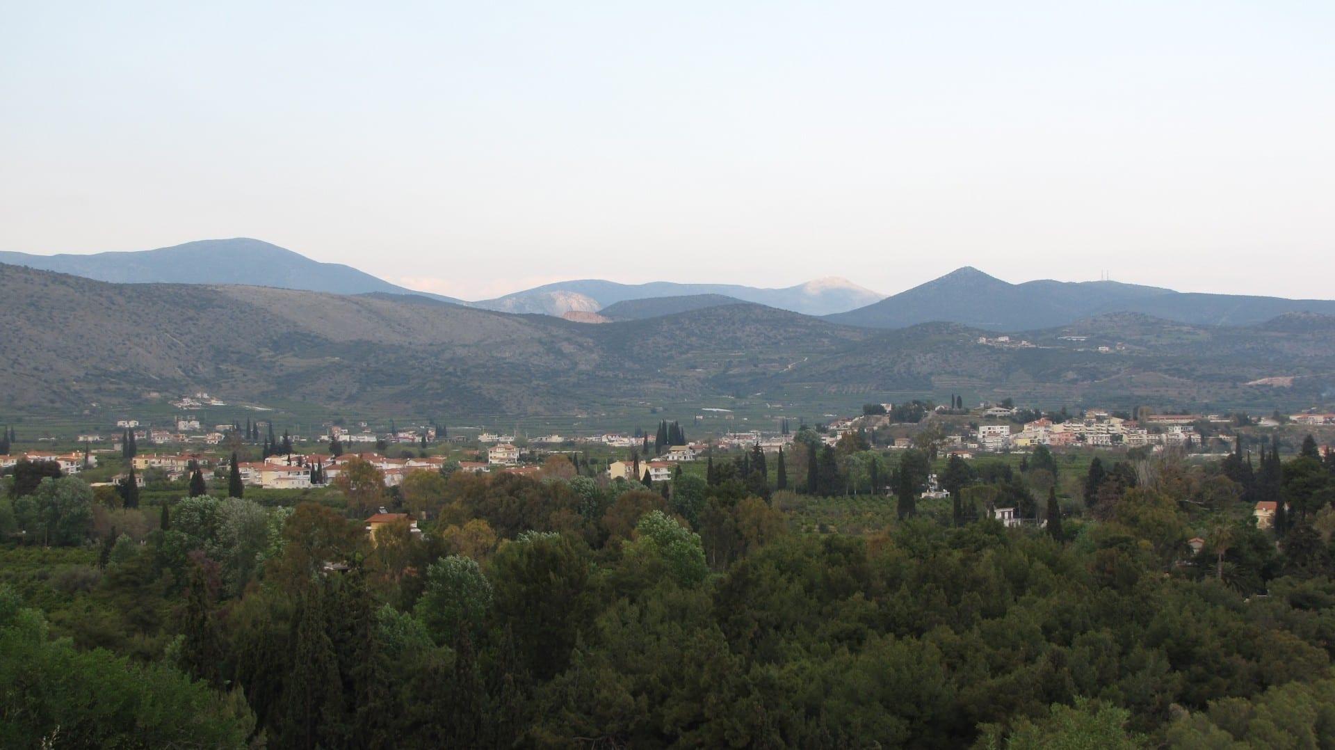 Los pueblos de Kallithea y Drepano cerca de Tolo Tolo Grecia