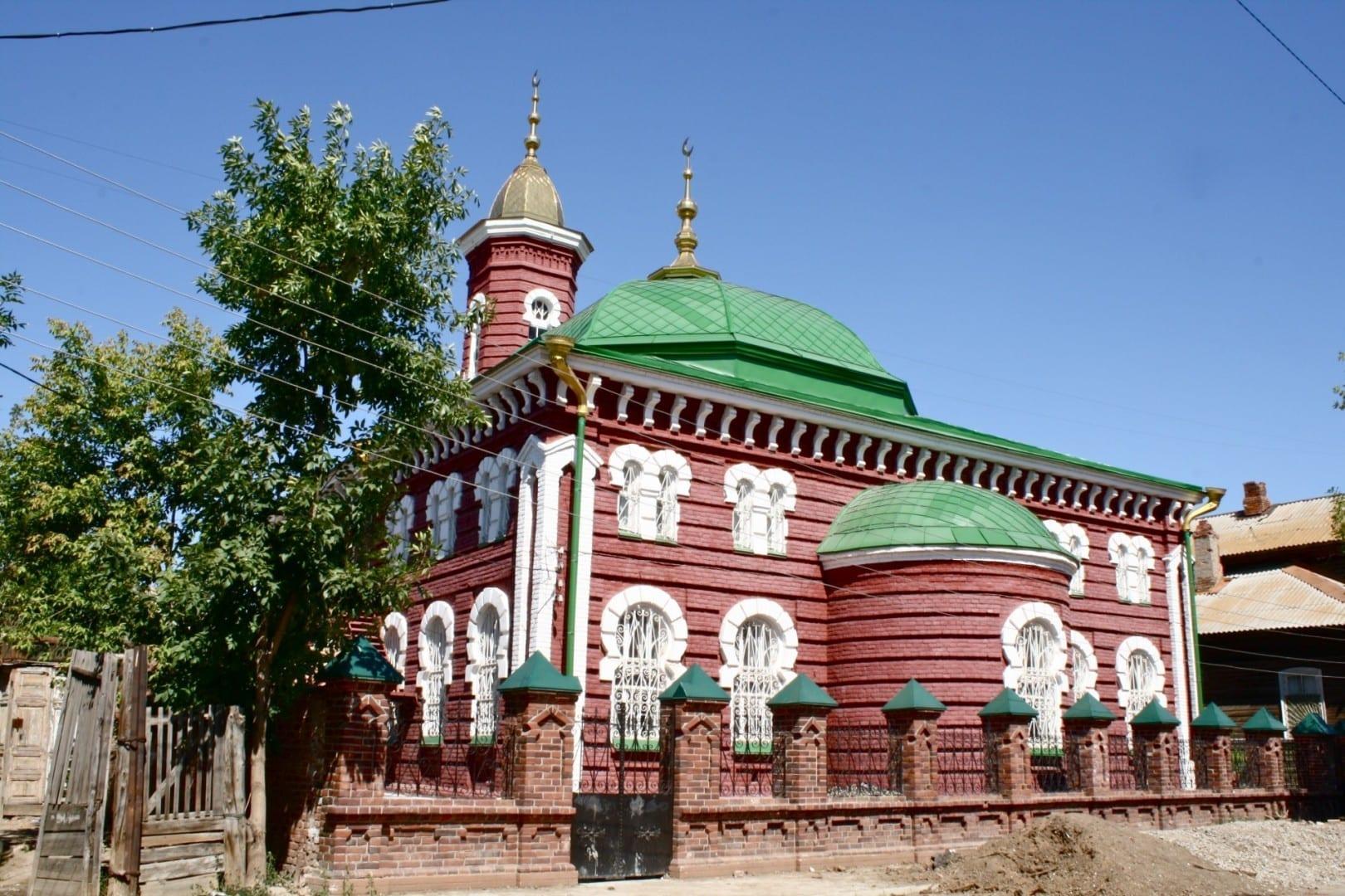 Mezquita Roja Astrakhan Rusia