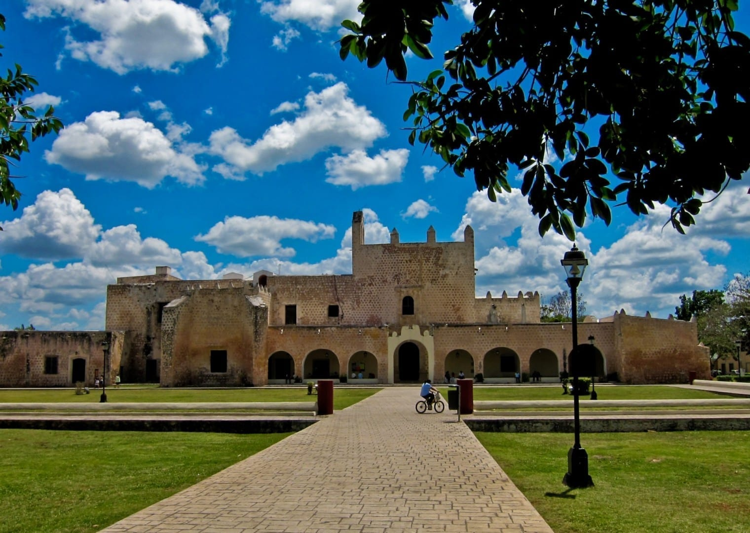 Monasterio de San Bernardino de Siena Valladolid México