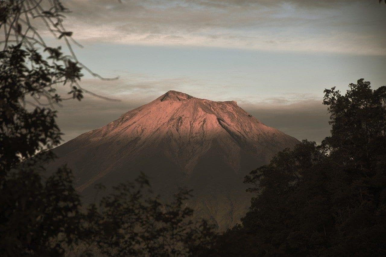Montaña Kerinci Padang Indonesia