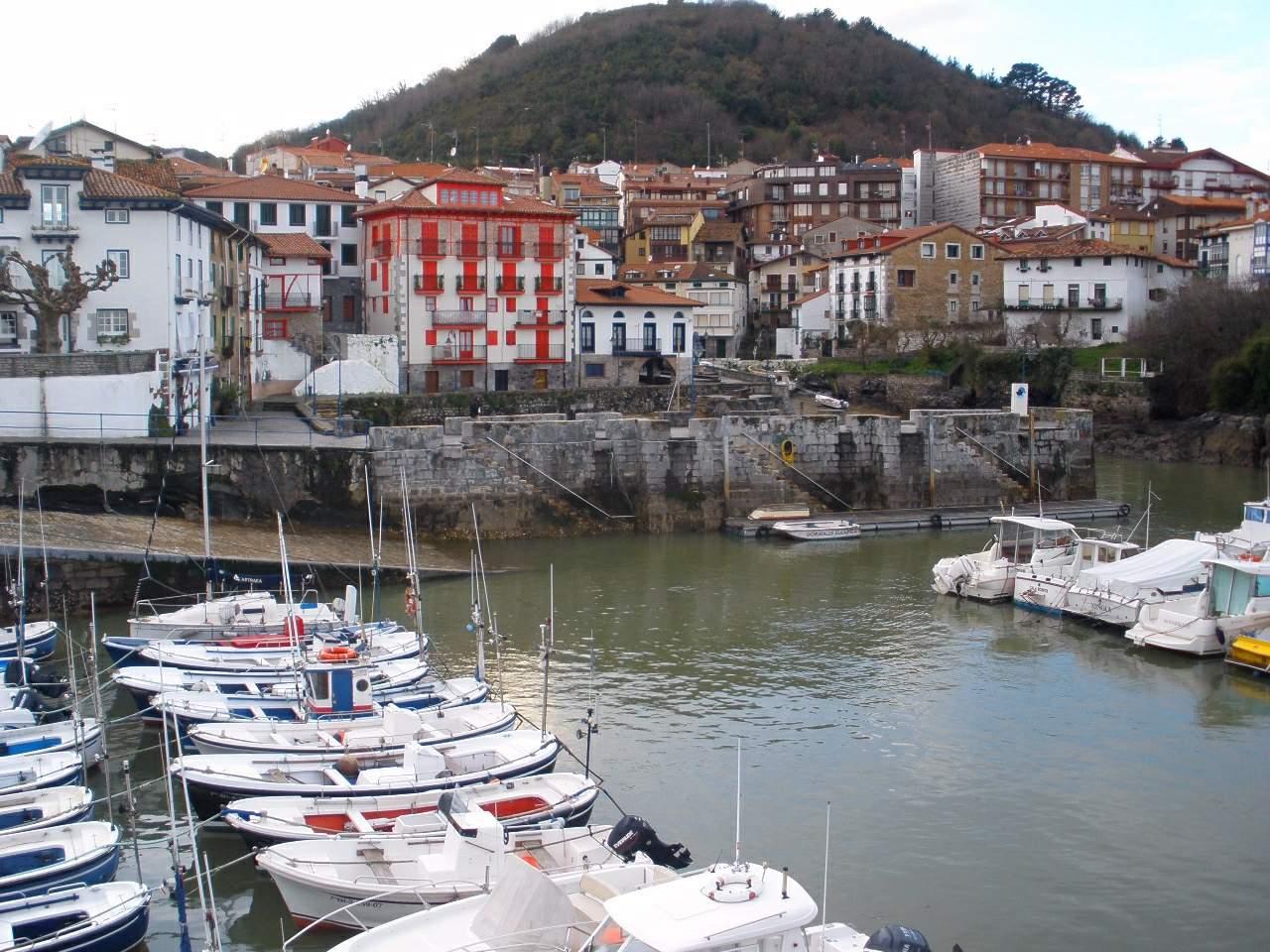 Mundaka general view Mundaka España