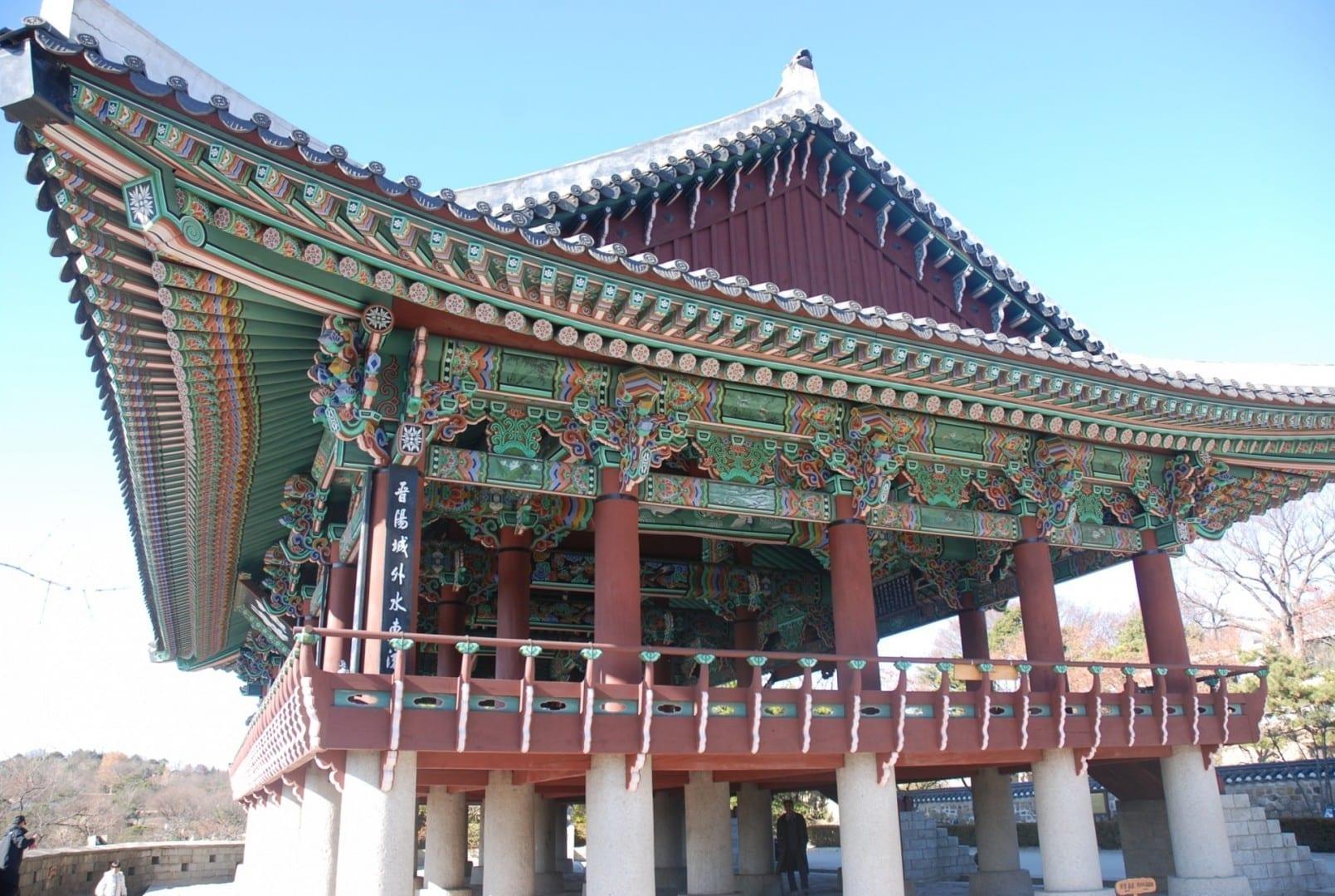 Pabellón Choksuk, la sede del Sur en la Fortaleza Jinju. Jinju Corea del Sur