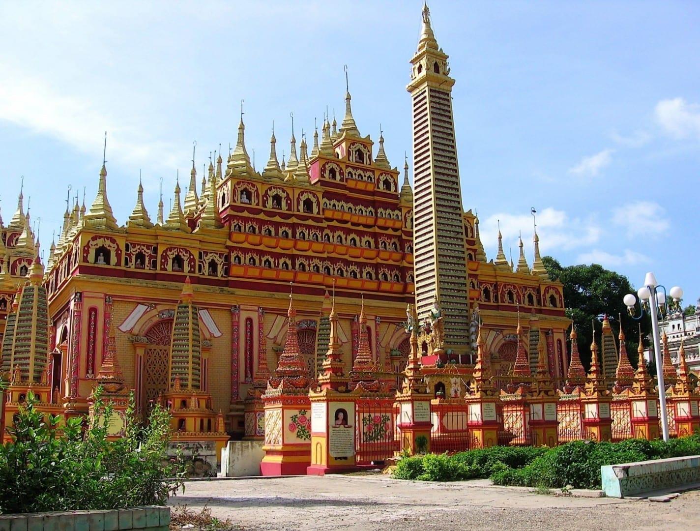 Pagoda de Thanboddhay Monywa Myanmar