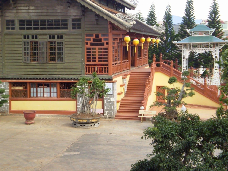 Pagoda Khai doan Buon Ma Thuot Vietnam