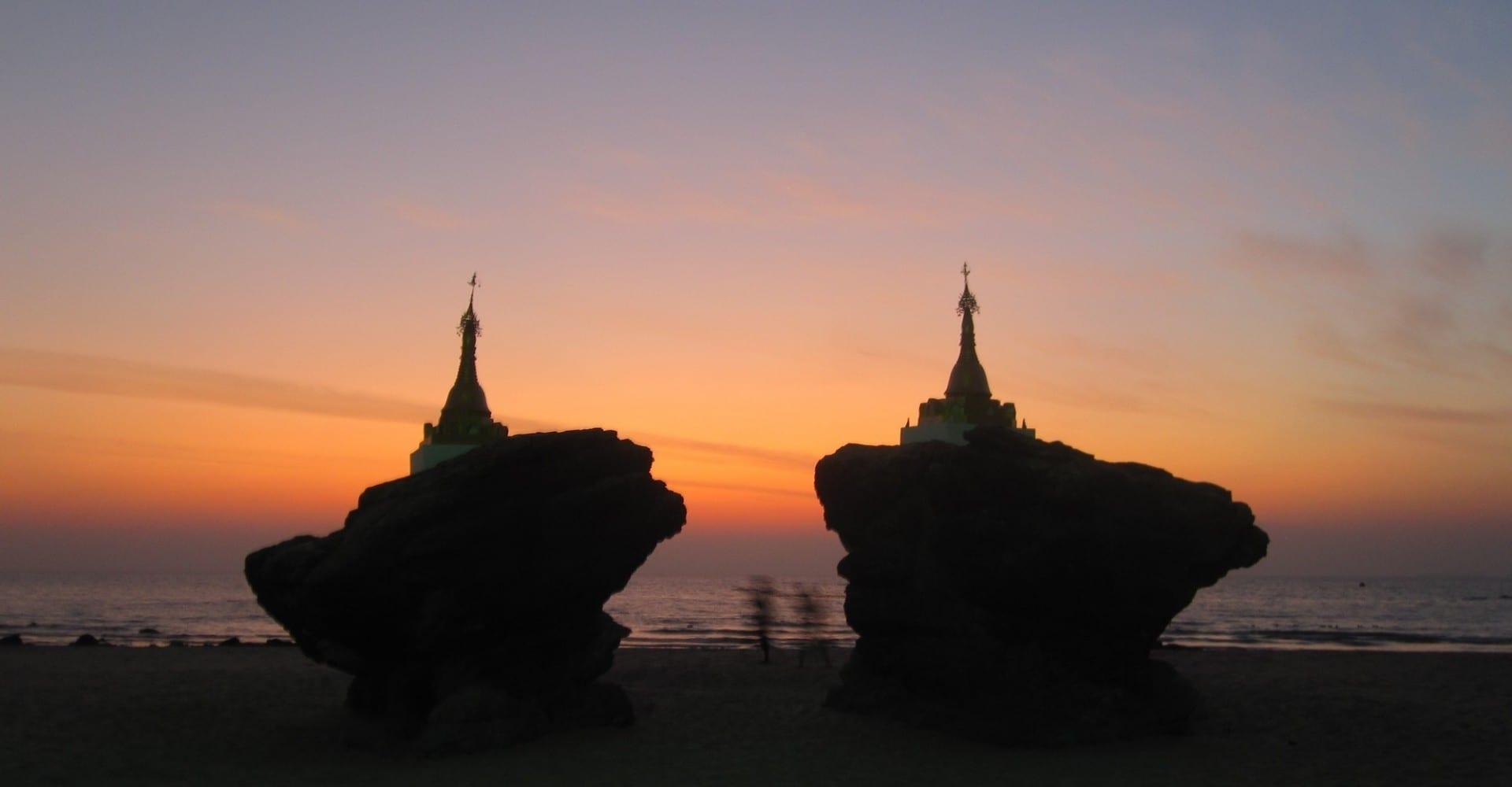 Pagodas de la playa Ngwe Saung Myanmar