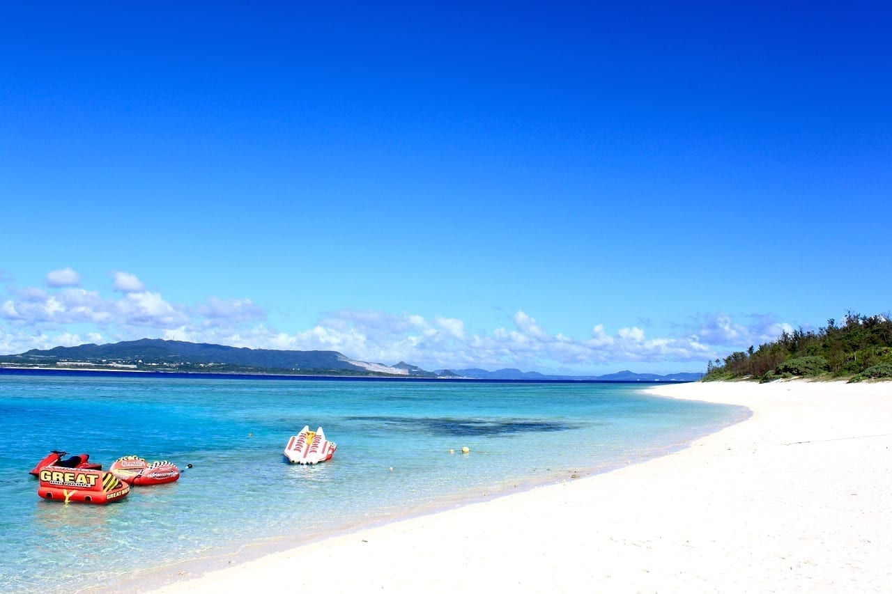Playa Okinawa Mar Japón