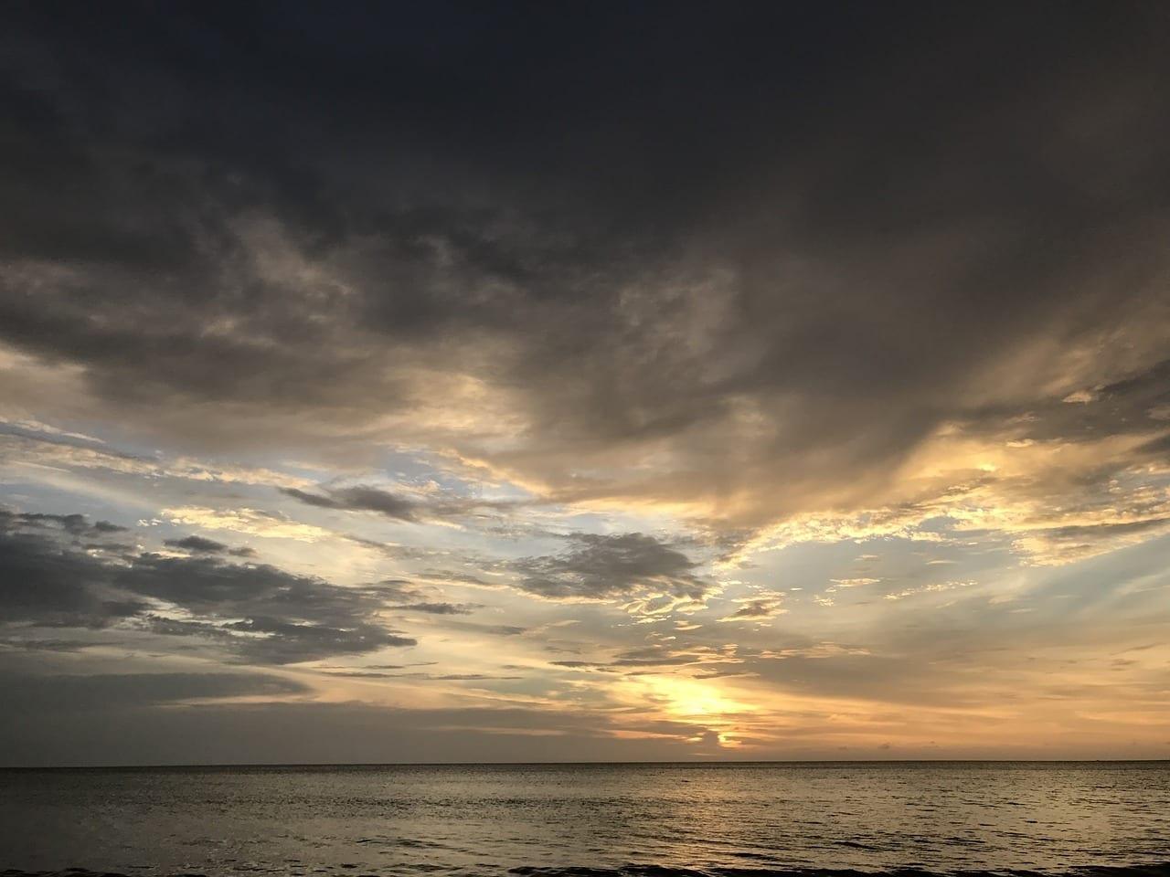 Playa Puesta De Sol Sabah Malasia