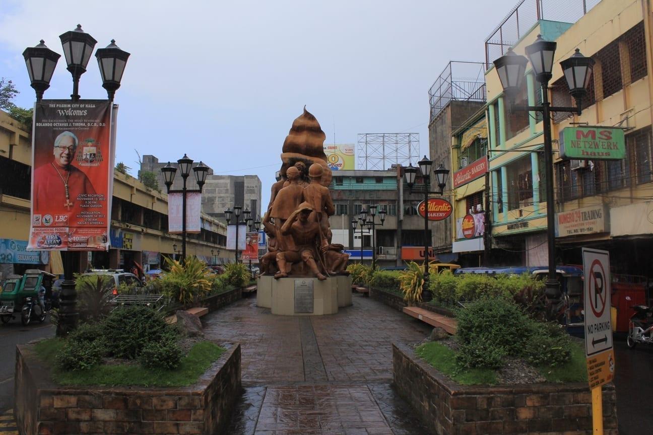 Plaza de Nueva Caceres Naga Filipinas