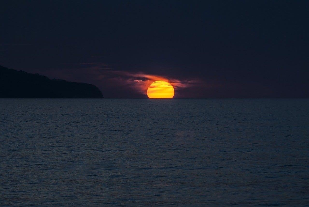 Puesta De Sol Océano Azores Portugal