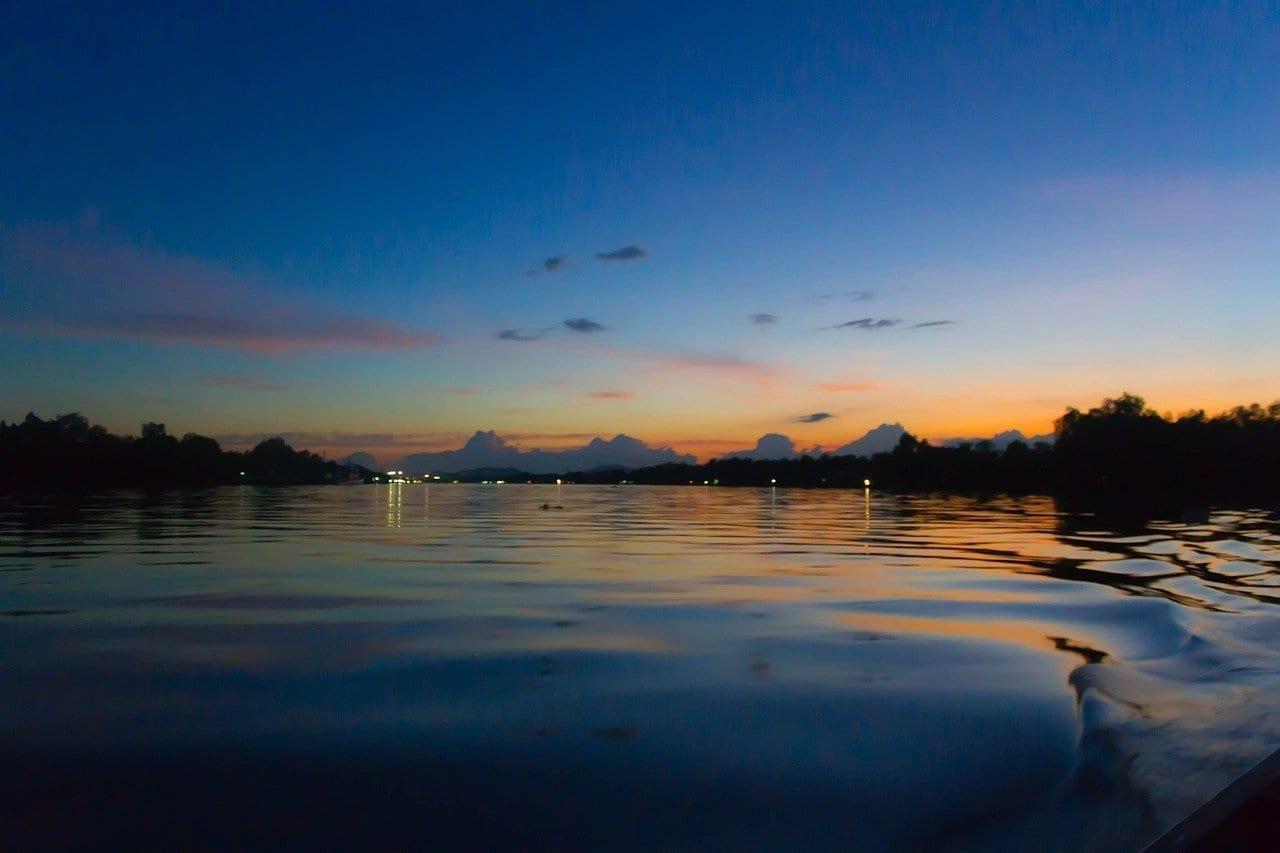 Río Tapi Surat Thani Río Tailandia