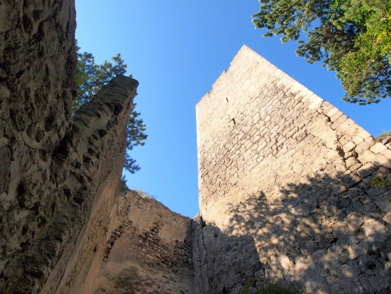 Ruinas del castillo de Rauheneck (ruinas del castillo de Rauheneck) Baden Austria