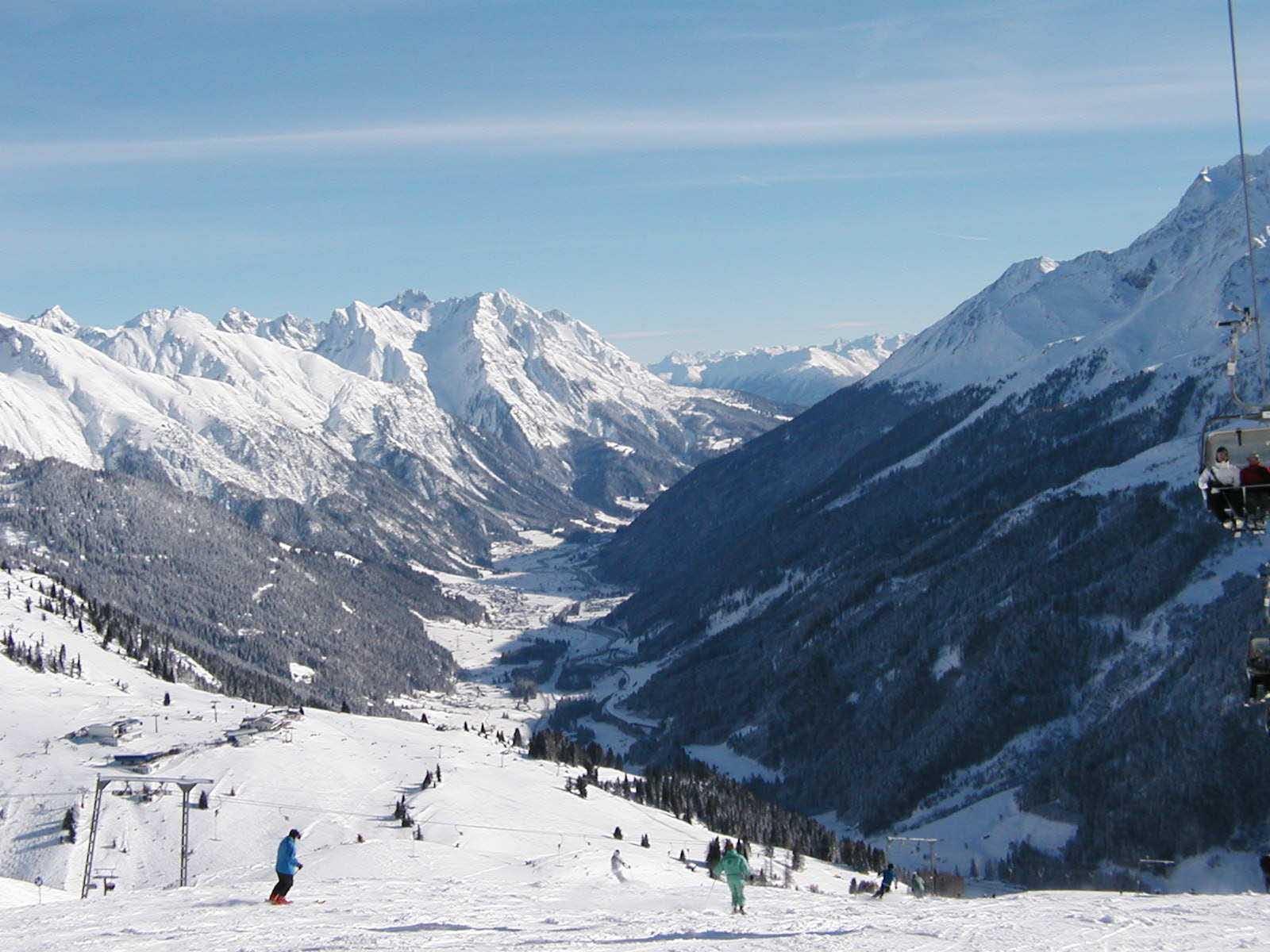 San Antón de Arlberg visto desde las laderas de Galzig St Anton am Arlberg Austria