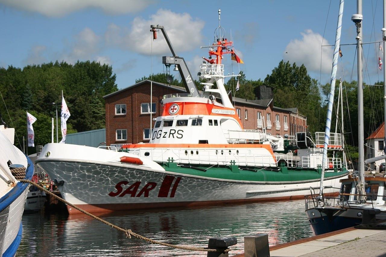 Sar Seenotrettungskreuzer Burg En Fehmarn Alemania