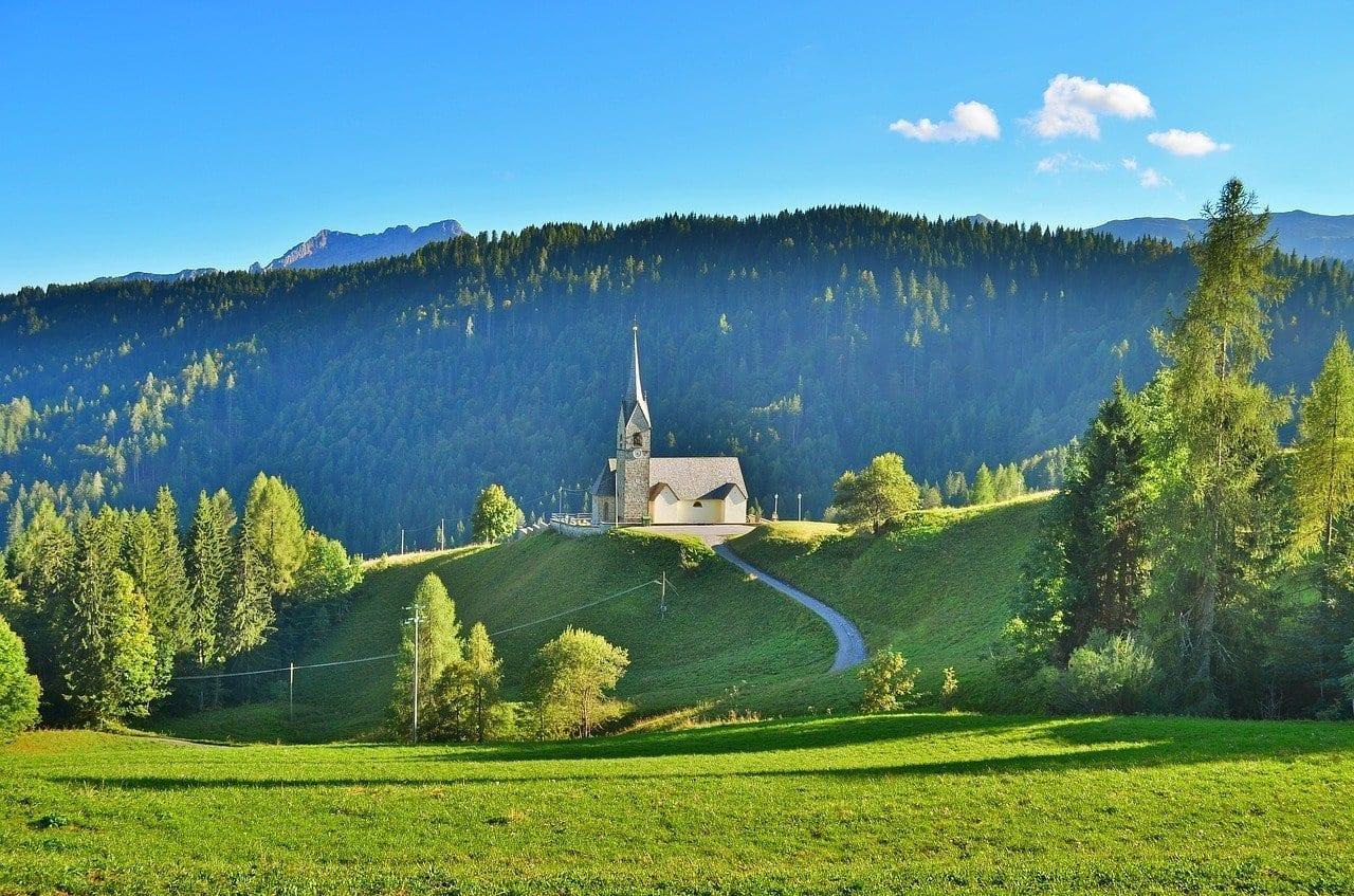 Sauris Montaña Iglesia Italia