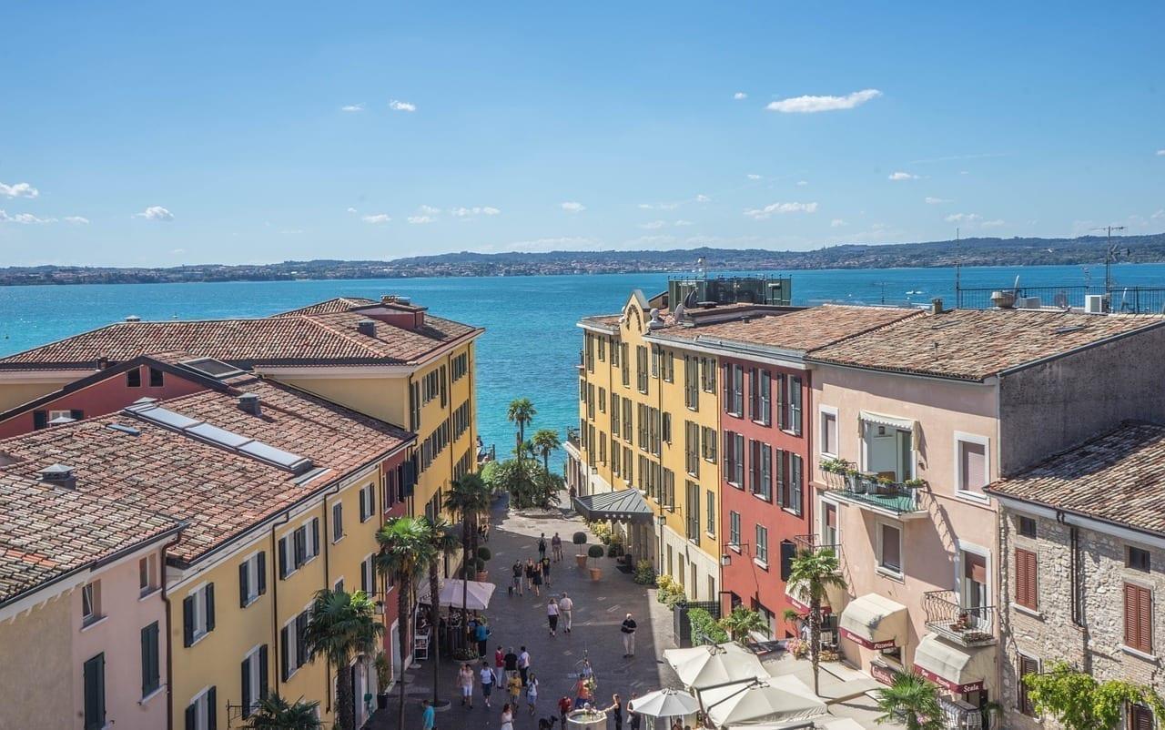 Sirmione Lago De Garda Arquitectura Italia