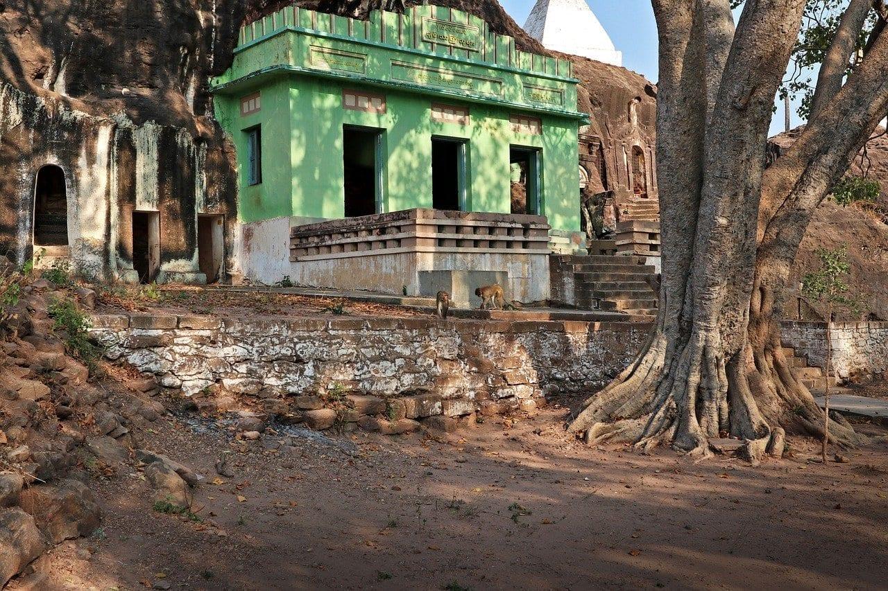 Sitio De Pho Win Taung Abandonado Monywa Myanmar