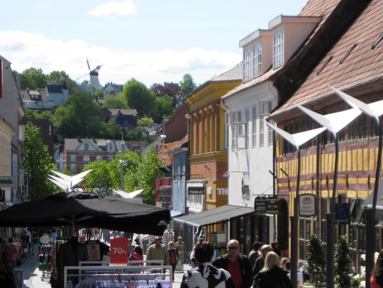 Strøget, la principal calle comercial de Vejle. Vejle Dinamarca