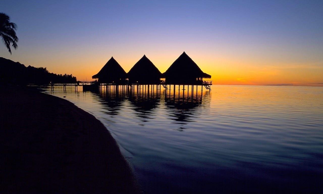 Tahití El Agua Puesta De Sol Polinesia Francesa
