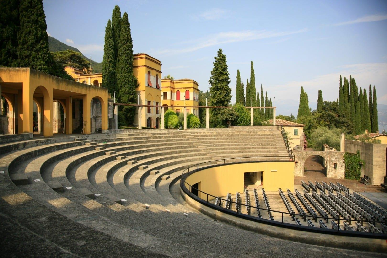 Teatro en el Vittoriale de los italianos Gardone Riviera Italia