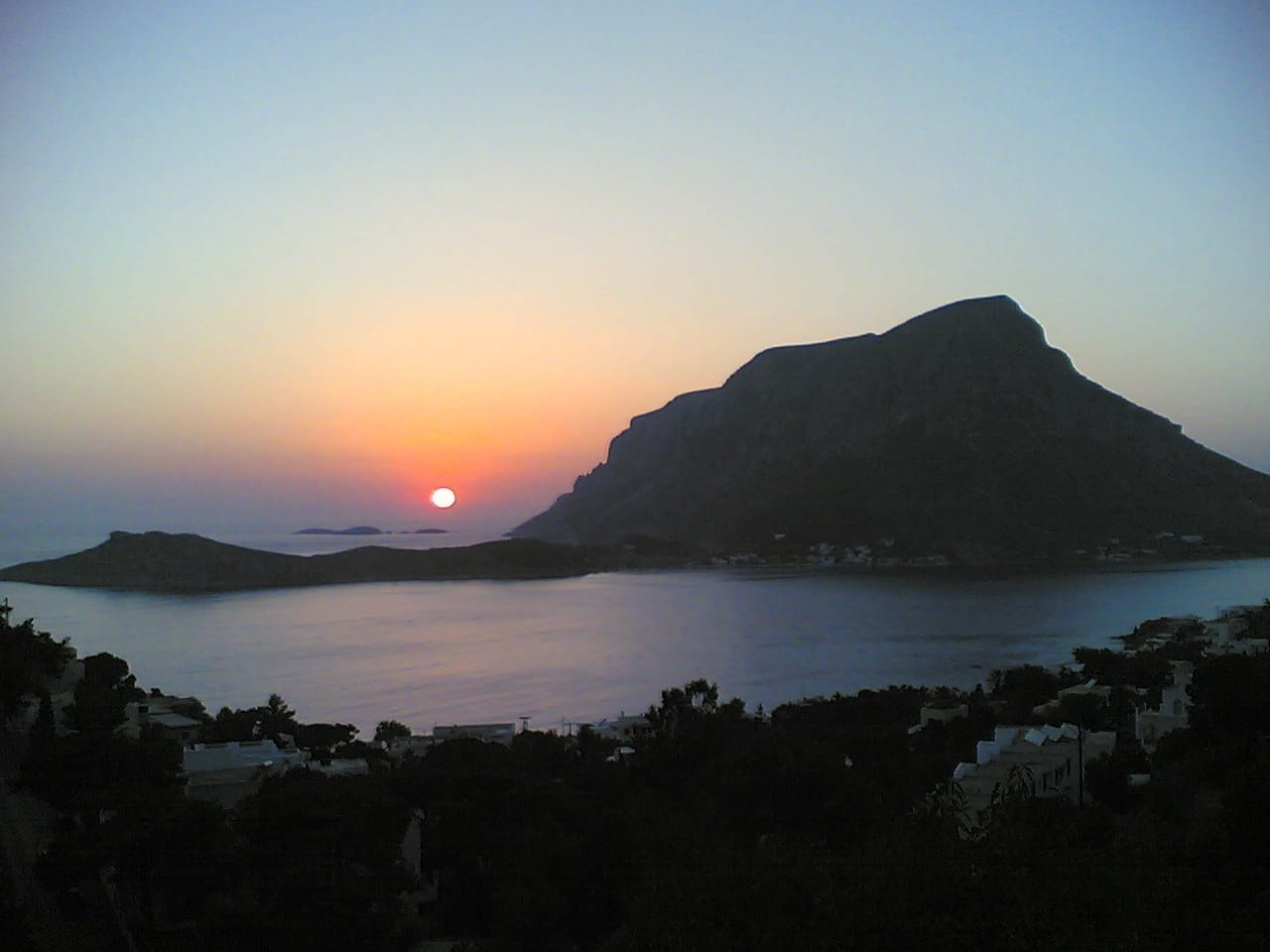 Telendos al atardecer Kalymnos Grecia