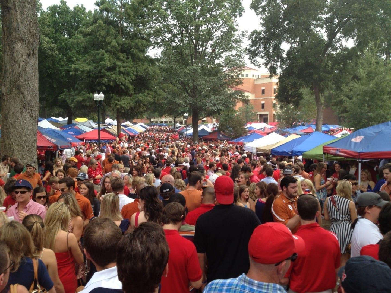 The Grove - Ole Miss vs. Texas - 9/15/2012 Oxford MS Estados Unidos