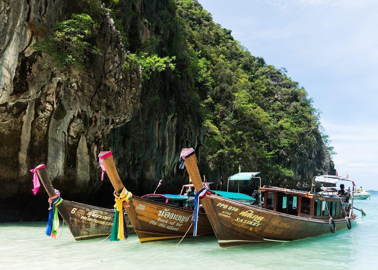 Tour De La Isla De Phi Phi Phuket Coloridos Barcos Tailandia