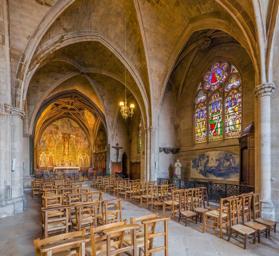 Una capilla en la Antigua Abadía de St. Germain Auxerre Francia