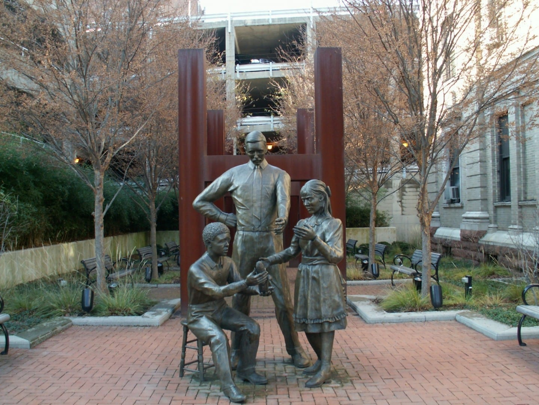 Una estatua conmemorativa de 4H Springfield OH Estados Unidos