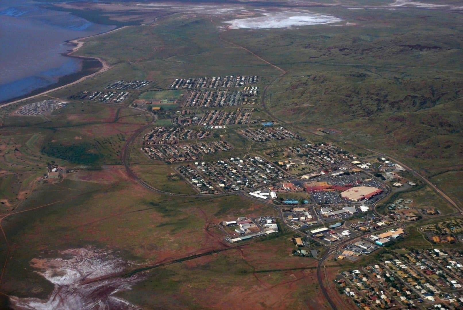 Una foto aérea del este de Karratha Karratha Australia