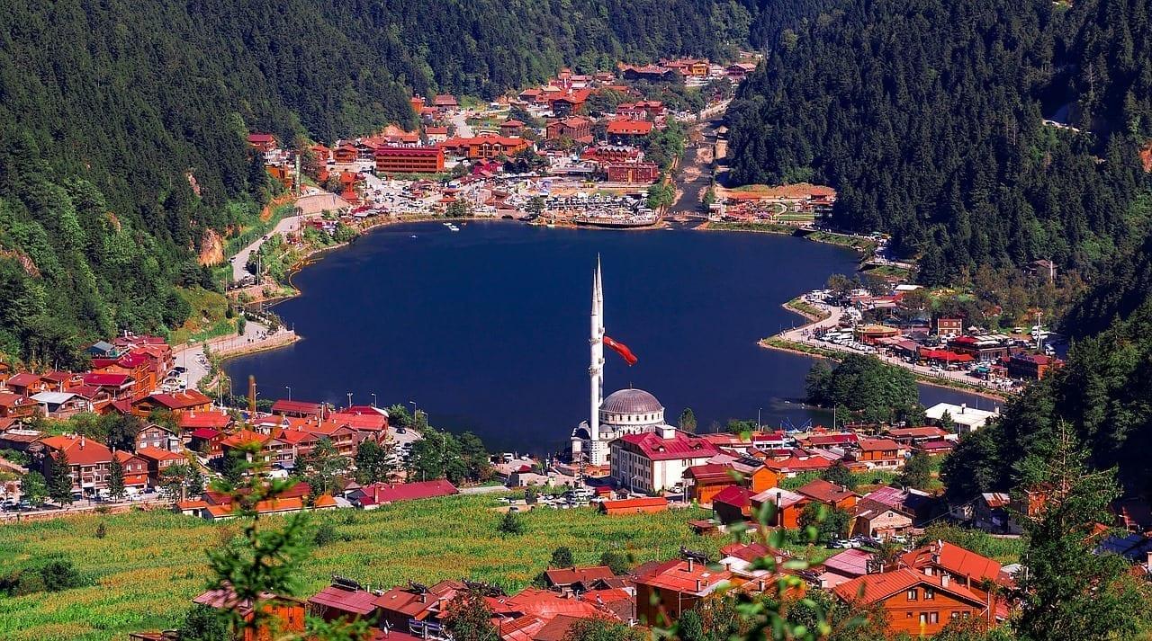 Uzungol Lago Caykara Turquía