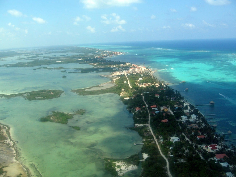 Vista de pájaro de Ambergris Caye Ambergris Caye Belice