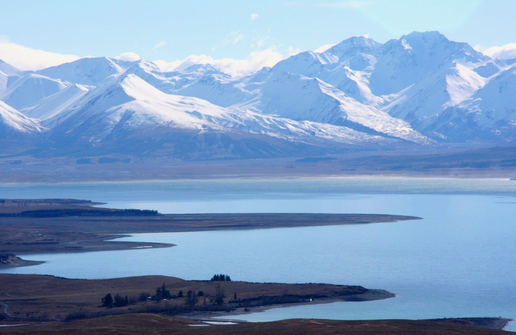 Vista hacia el extremo norte del Lago Tekapo desde la cima del Monte John Lago Tékapo Nueva Zelanda