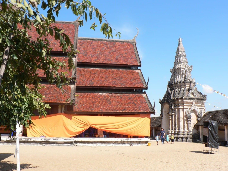 Wat Phrathat Lampang Luang Lampang Tailandia