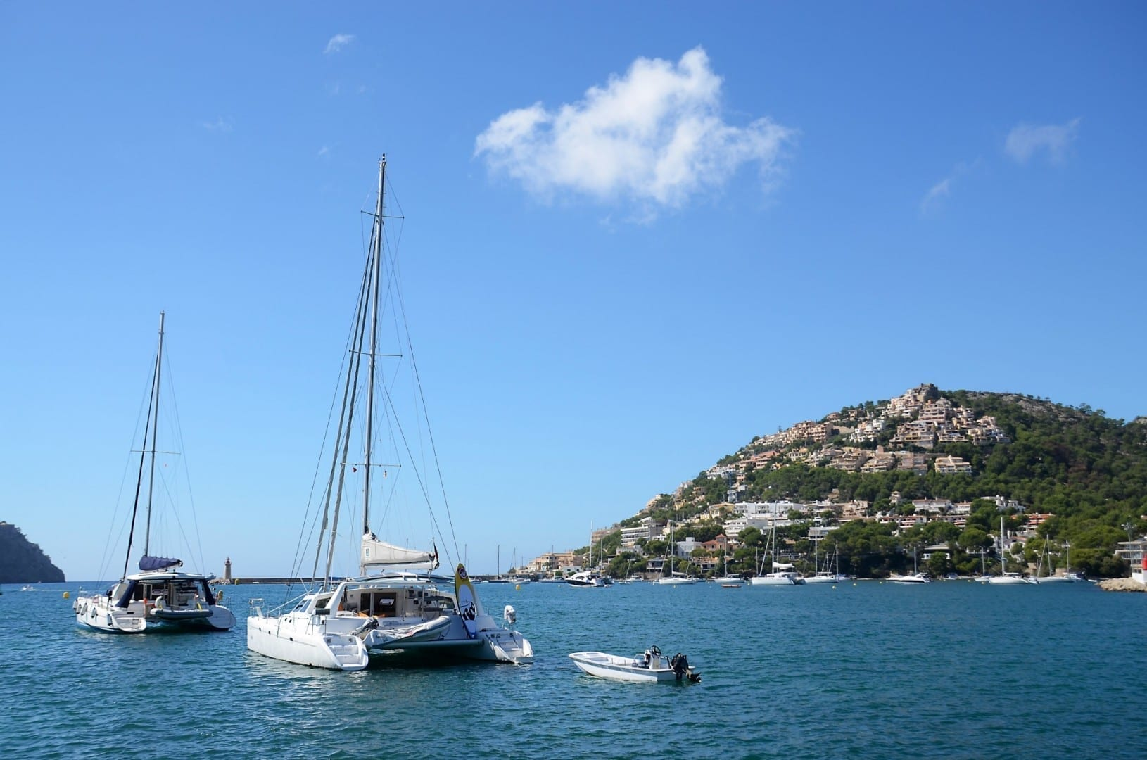 Yates en el Puerto de Andratx. Puerto de Andratx, Mallorca España