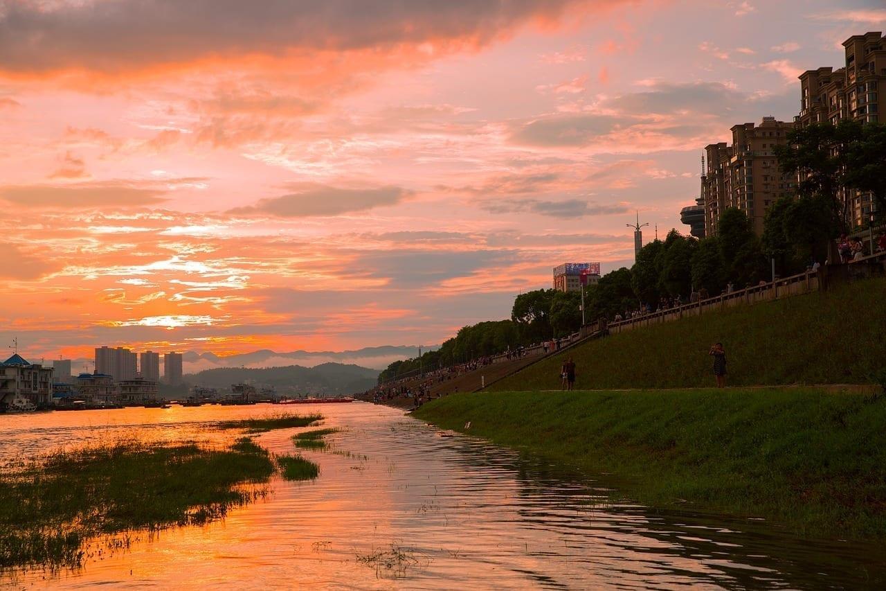Yichang Riverside Park Puesta De Sol China